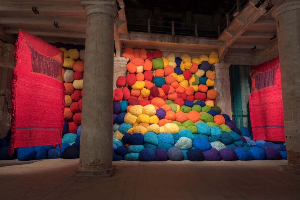 Exhibition: Sheila Hicks – Thread, Trees, River