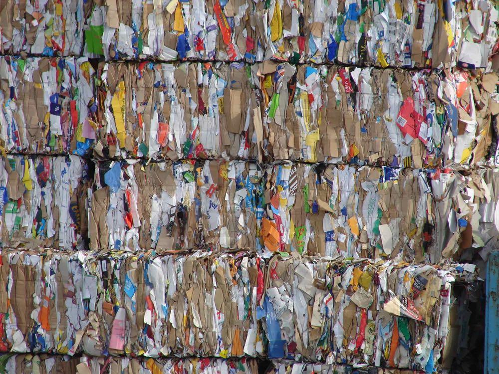 62 % der gewerblichen Verpackungsabfälle bestehen aus Papier und Pappe