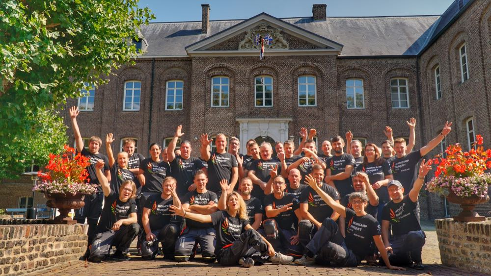 Workcamp Parquet plant Einsatz in Belgien