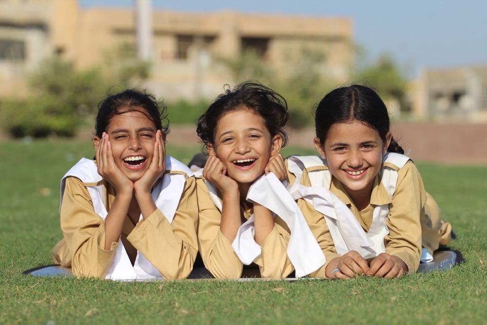Carrington spendet für Mädchenschule in Pakistan