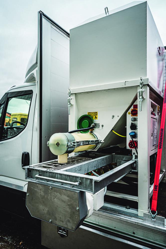 Uzin: Pump-Technologie macht die Arbeit leichter